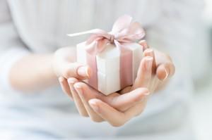 記事掲載 BRAND PRESS PRELY様の記事で贈り物マナーについてお答えしました